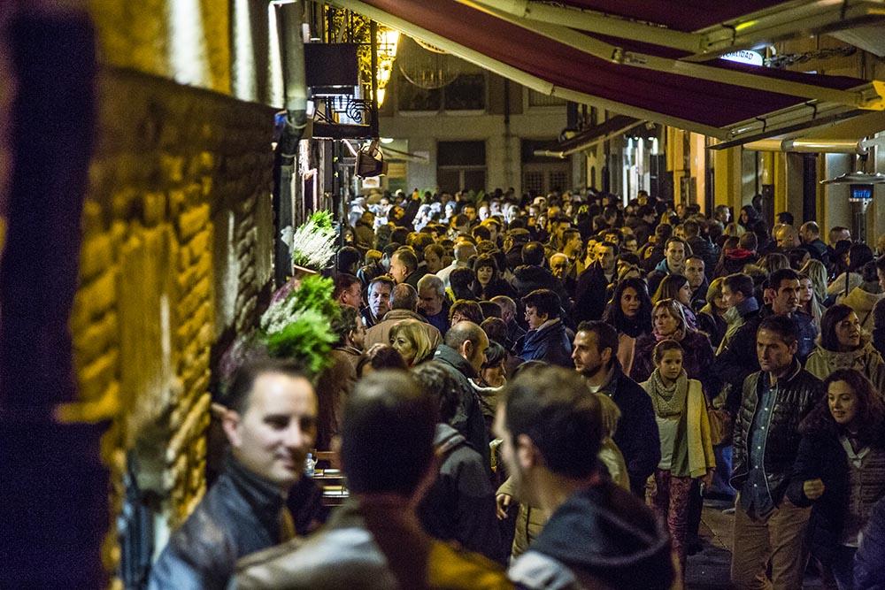 Calle Laurel de noche